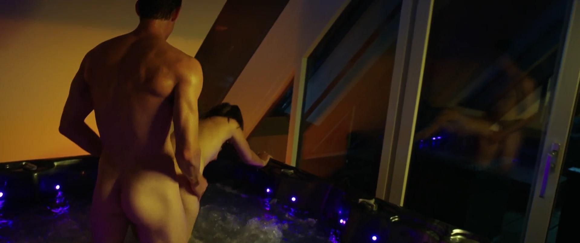 Holly Mae Brood nude, Carolien Spoor sexy, Marly van der Velden nude - Sneekweek (2016)