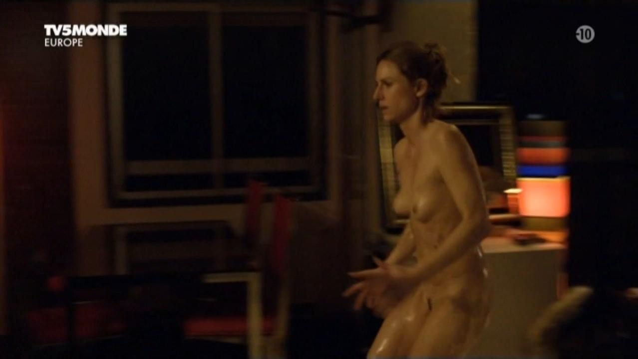 Camille Panonacle nude - Hiver rouge (2011)