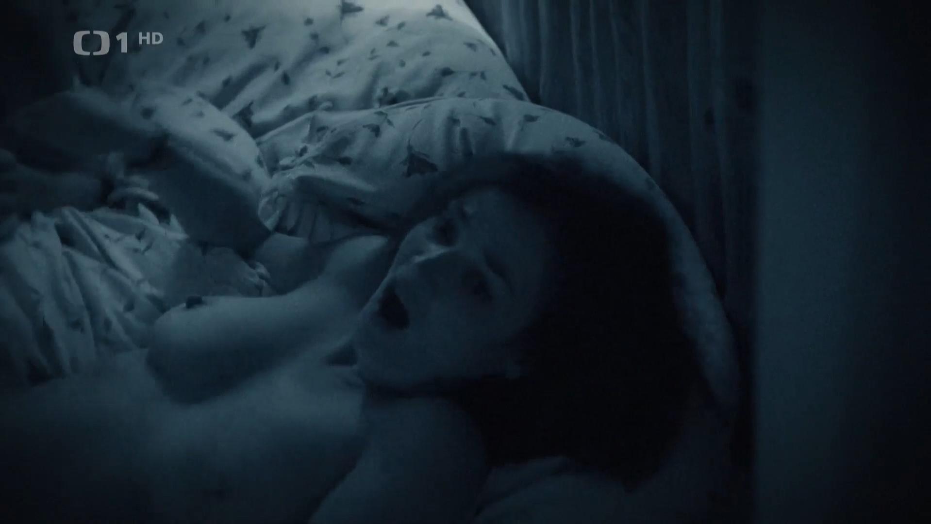 Martina Preissova nude - Rapl s01e09 (2016)