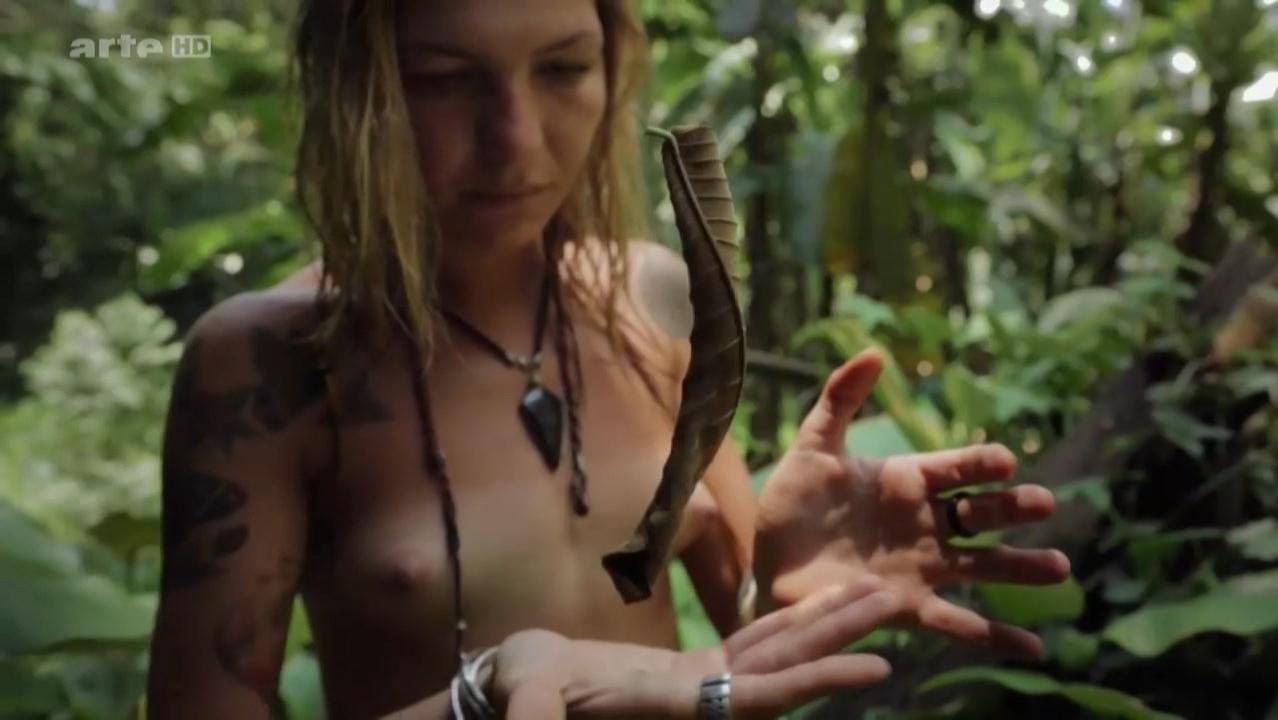 Victoria Fernandez-Nicolas nude, Alice Falloni nude, Mary Laura Barahona nude - Icaros (2014)