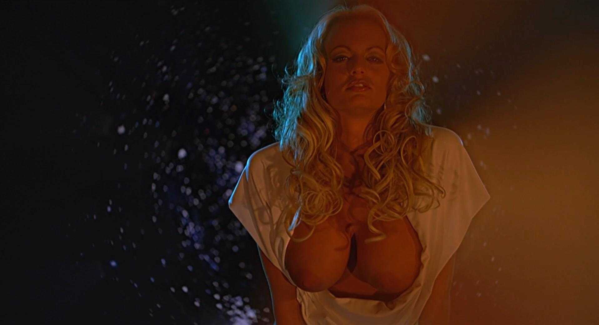Stormy Daniels nude - The 40-Year-Old Virgin (2005)