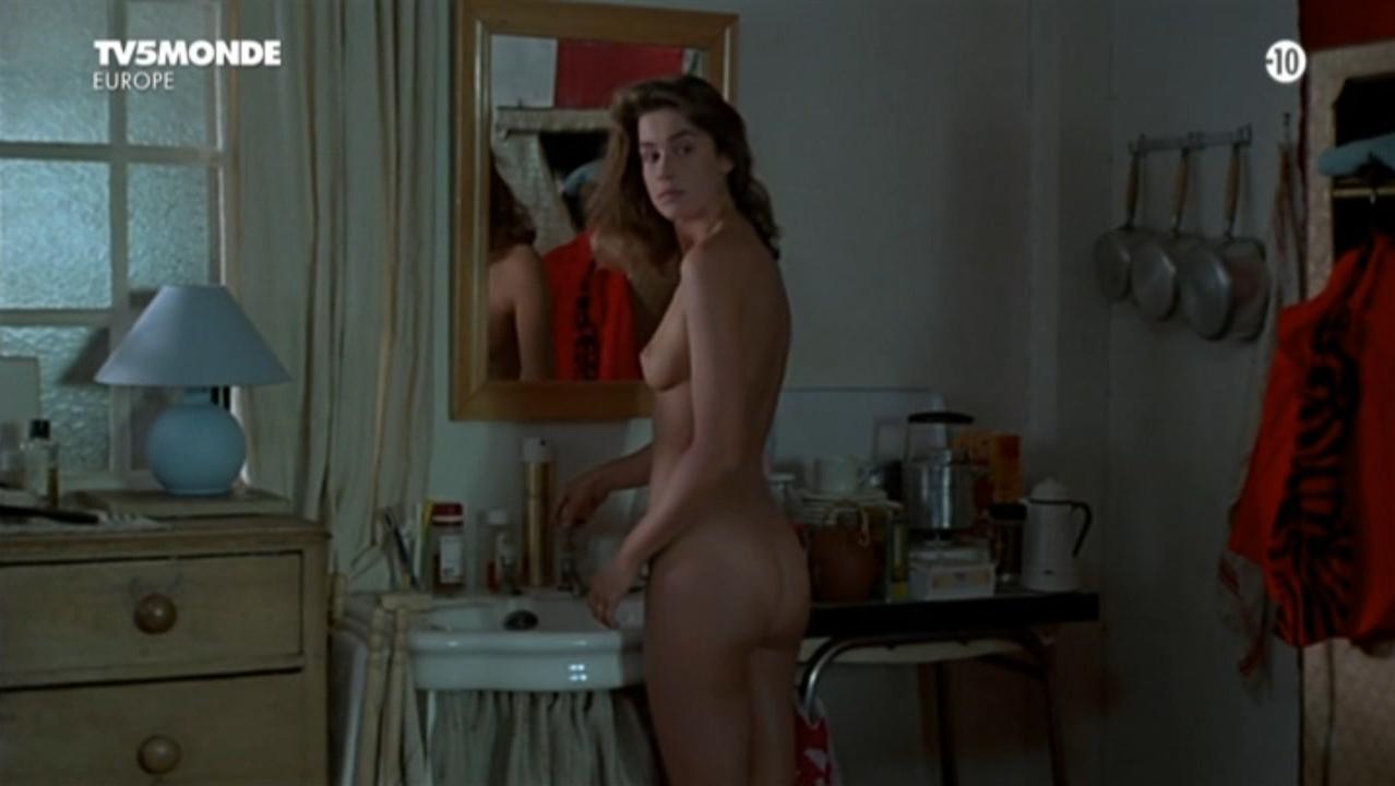 Valerie Kaprisky nude, Barbara Nielsen nude, Betty Assenza nude, Charlotte Kady nude, Caroline Cellier nude - L'annee des meduses (1984)