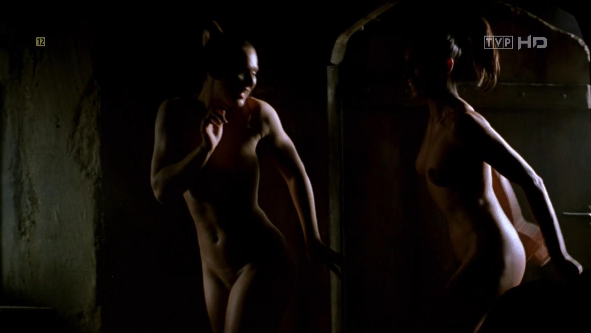 Grazyna Wolszczak nude, Maria Peszek nude, Julita Famulska nude, Malgorzata Zasztowt nude, Joanna Fidler nude - Wiedzmin (2001)