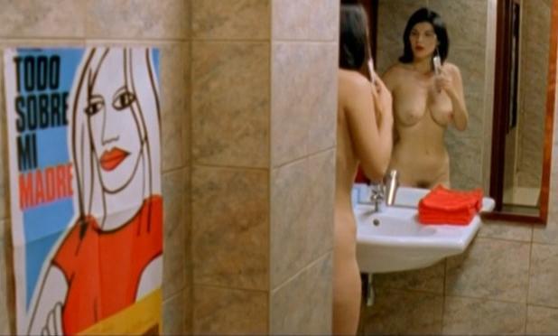Ludmila Ruoso nude, Chloу Berthier nude - Nue comme un verre (2003)