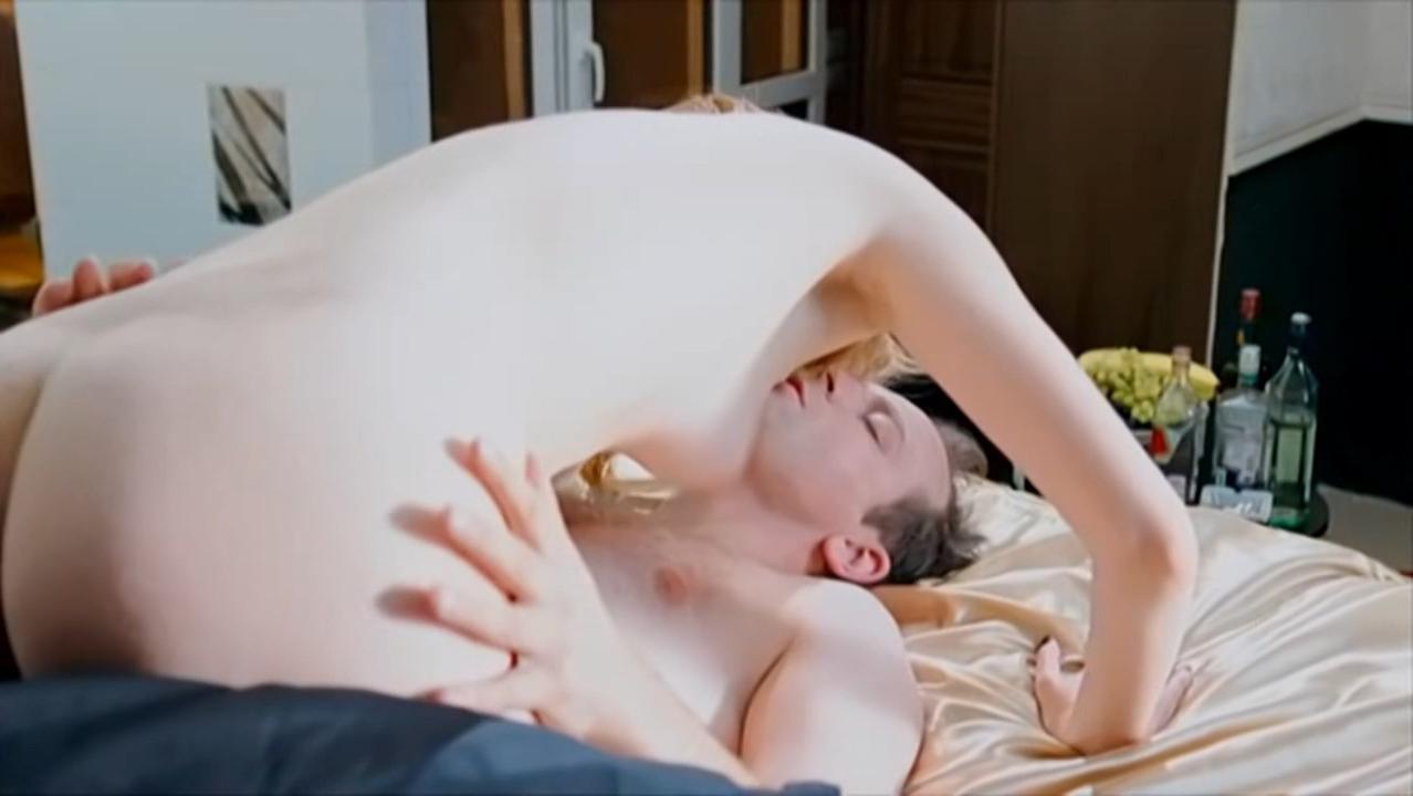 Elizaveta Lotova nude - Delo Chesti s01e09-17 (2013)