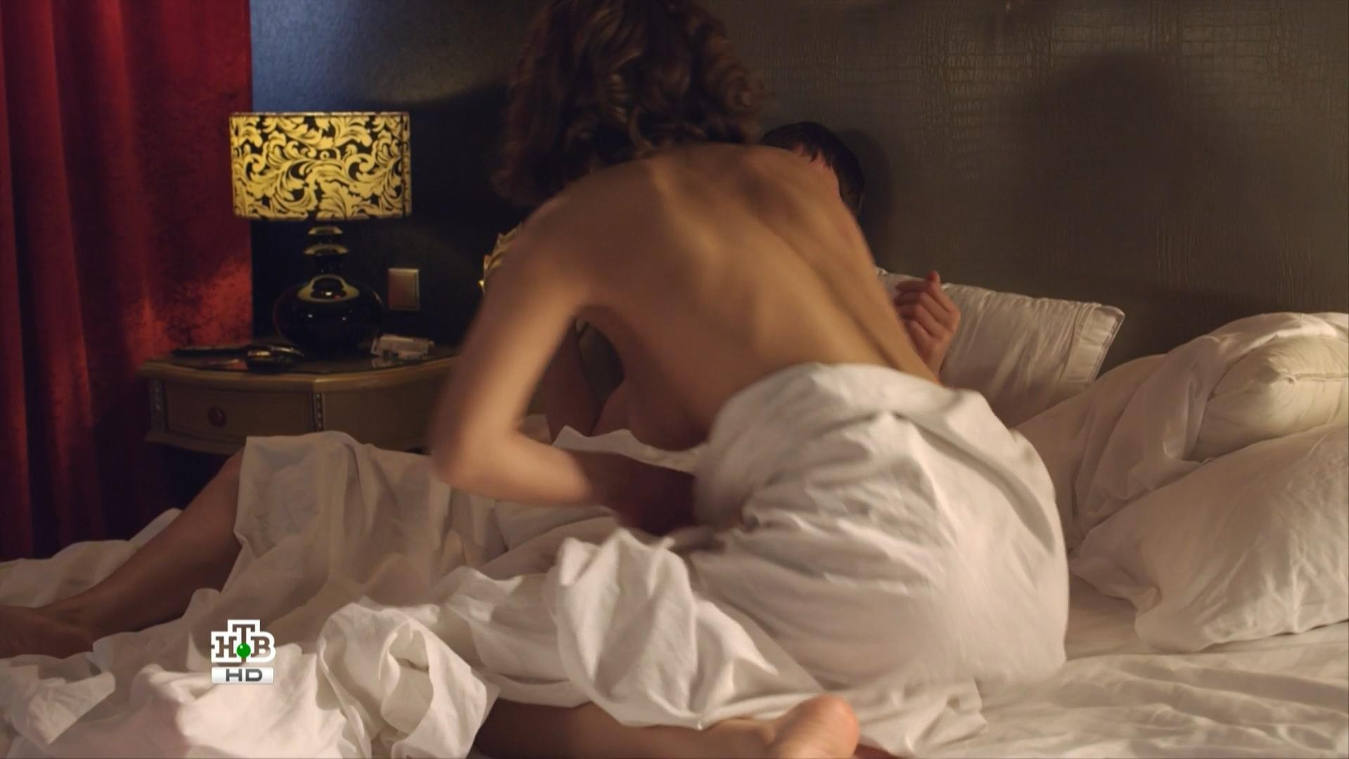 Yuliya Latyisheva nude - Delo Chesti s01e01 (2013)