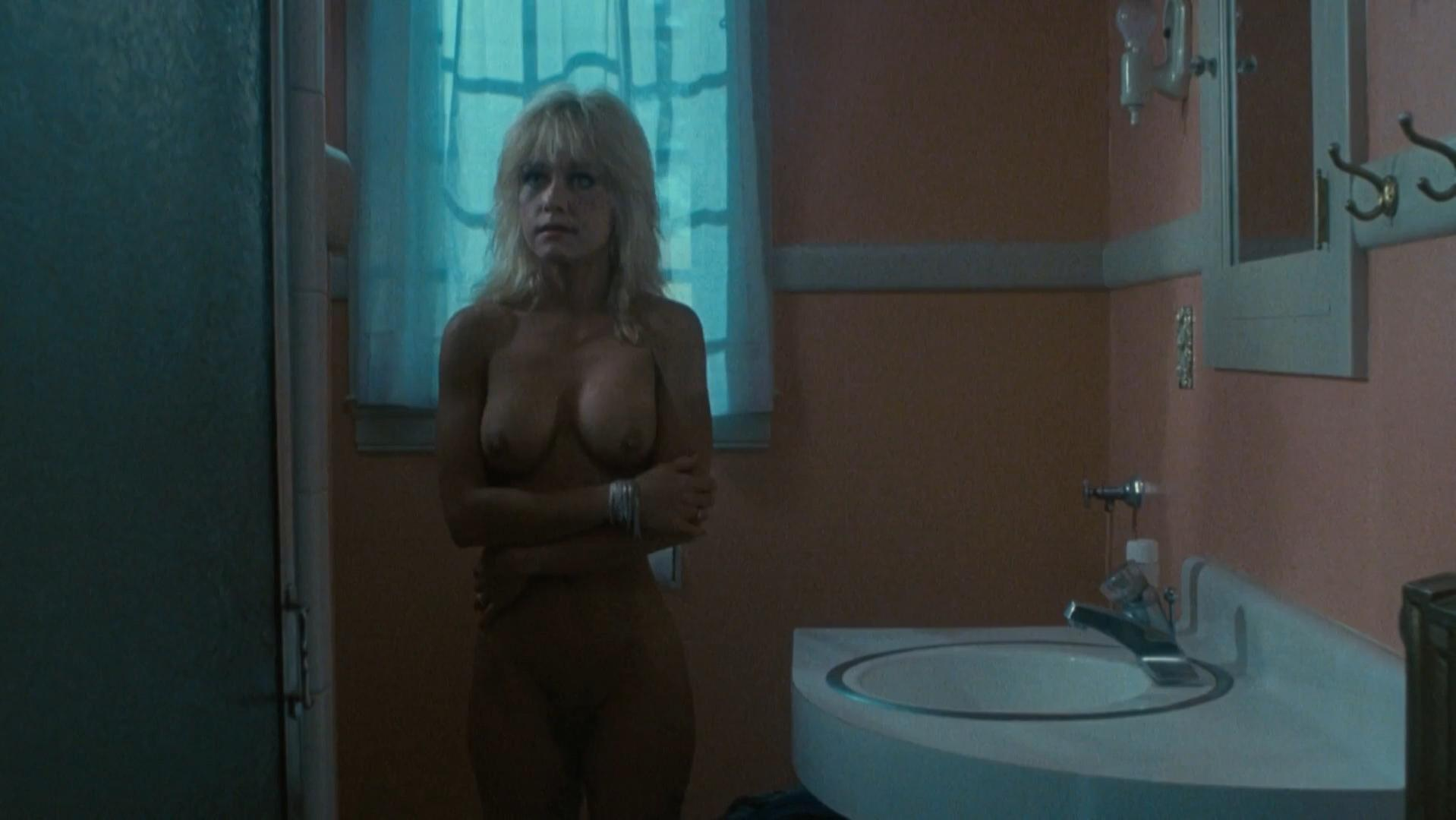 Linnea Quigley nude - Witchtrap (1989)
