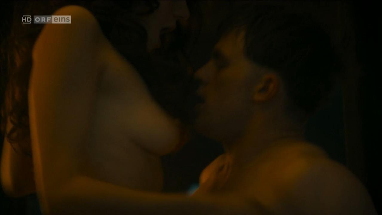 Lili Epply nude, Christa Theret nude - Maximilian. Das Spiel von Macht und Liebe s01e01 (2017)