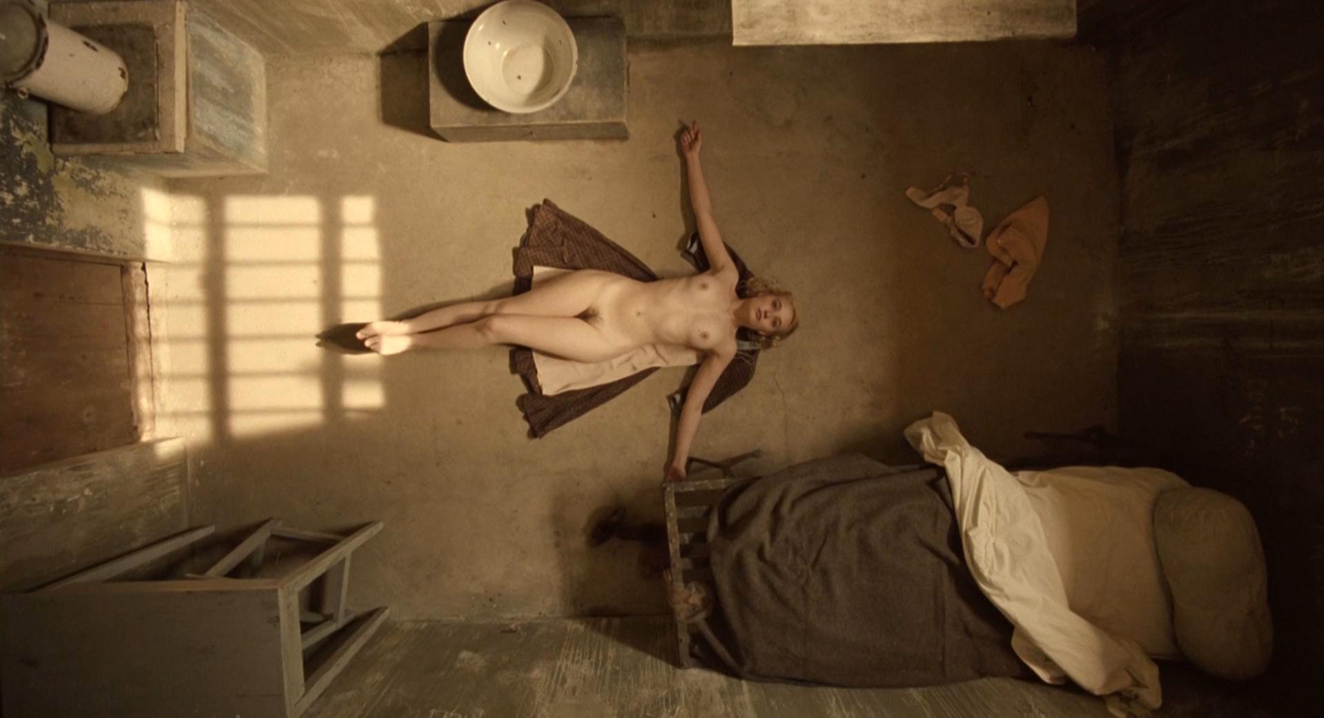 Deborah Francois nude - Les femmes de l'ombre (2008)