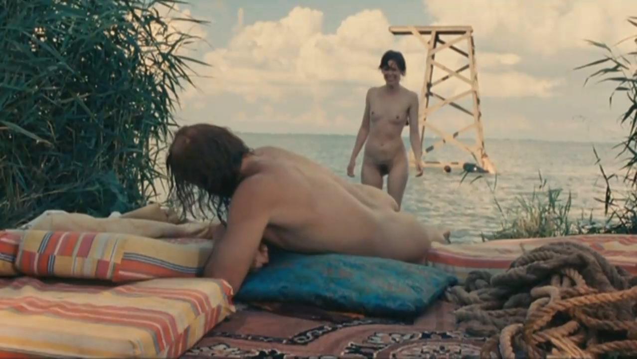 Maria Kraakman nude, Deborah Francois nude - My Queen Karo (2009)