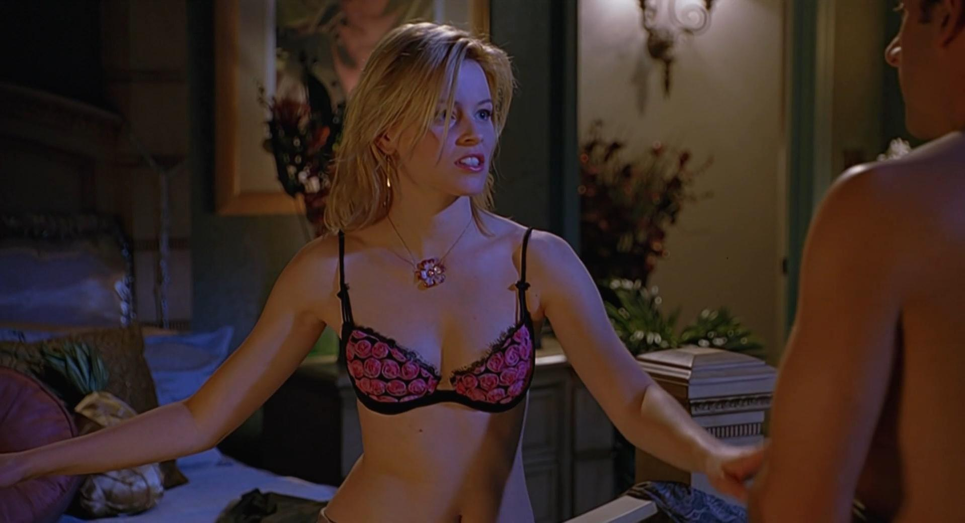 Elizabeth Banks sexy - The 40-Year-Old Virgin (2005)