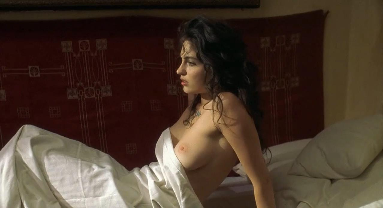 Erika Marozsan nude - Gloomy Sunday (1999)