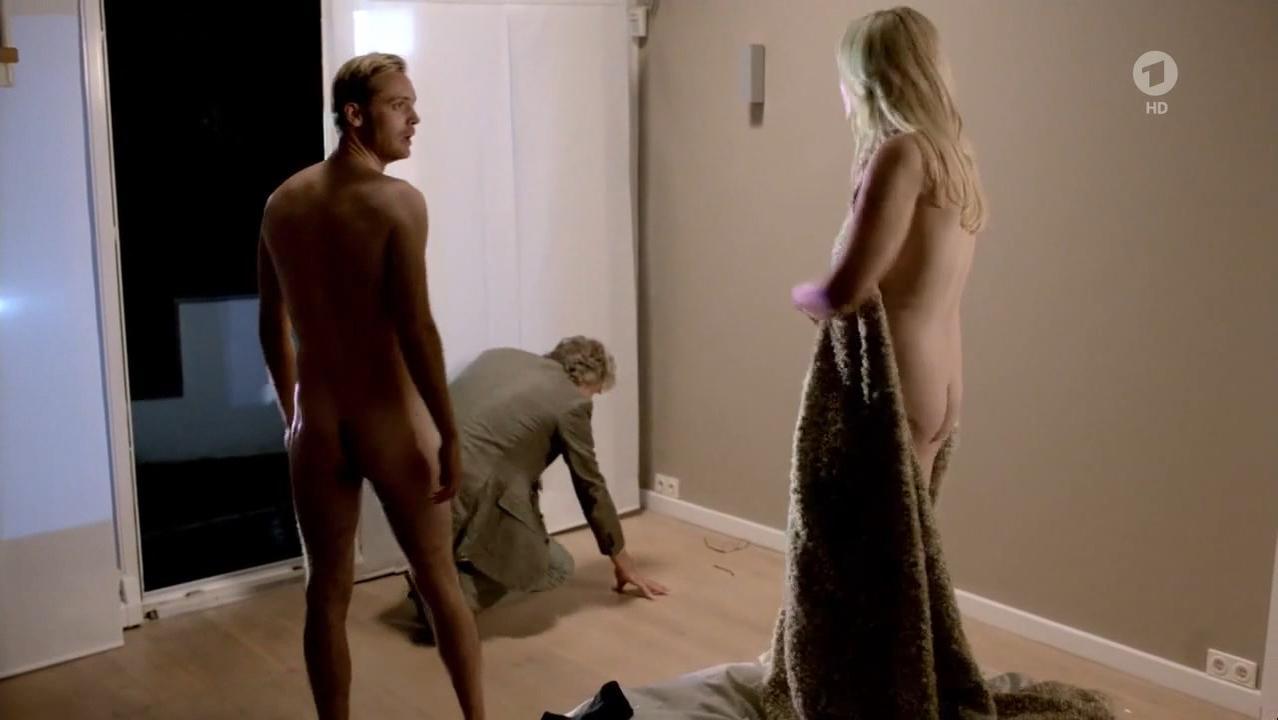 Susanna Simon nude, Birge Schade nude - Eltern allein zu Haus s01e02 (2017)