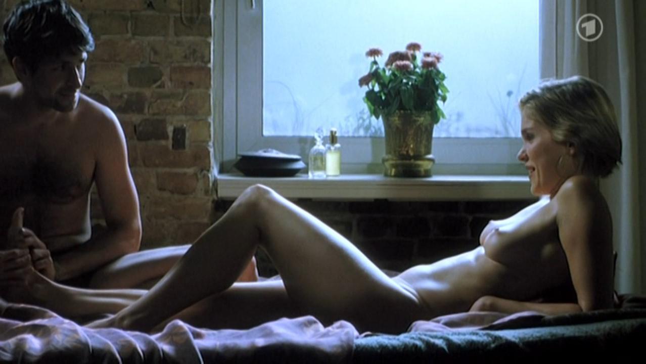 Anna Kubin nude - Das Sichtbare und das Unsichtbare (2007)