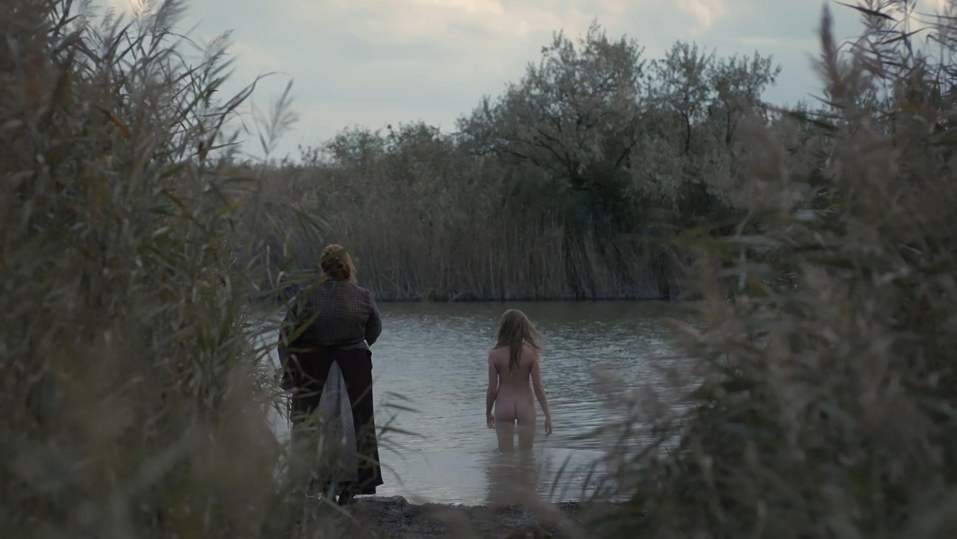 Millie Brady nude - The Last Kingdom s02e07 (2017)