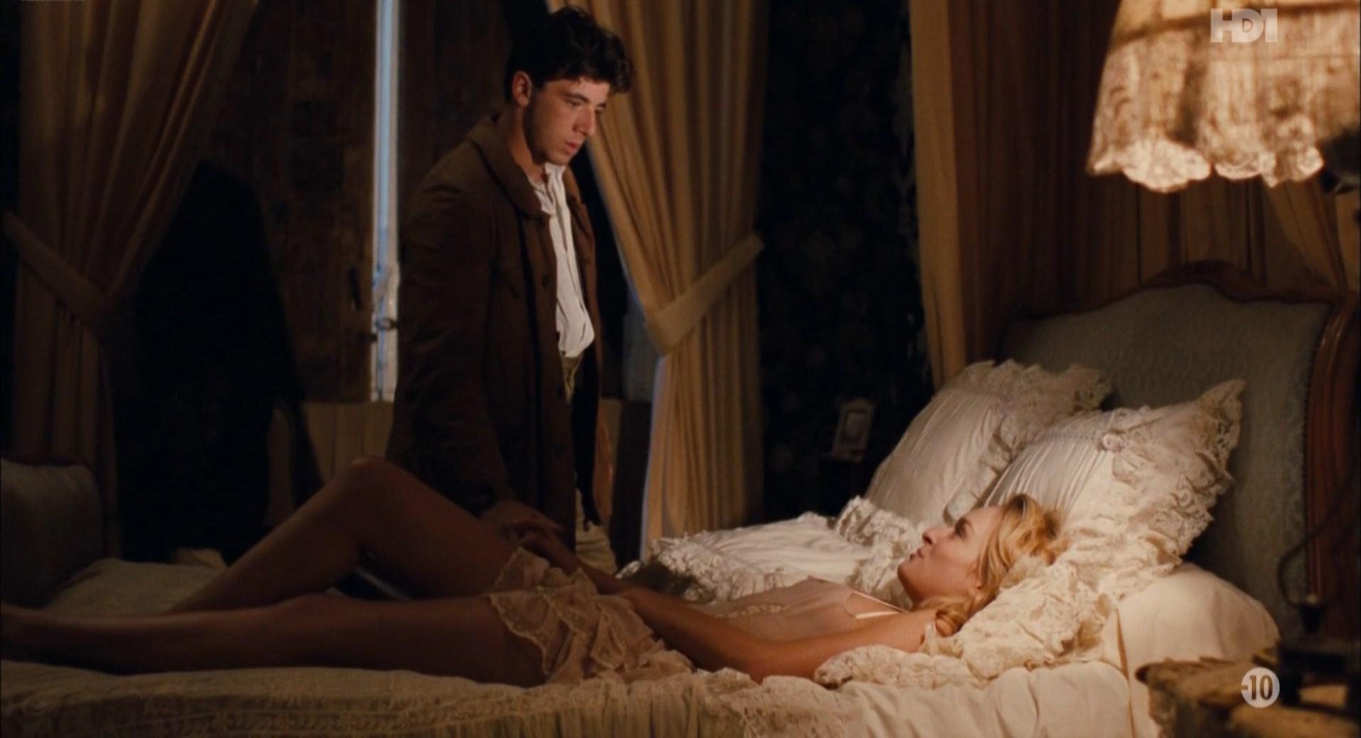 Ingrid Held nude - La Maison Assassinee (1987)