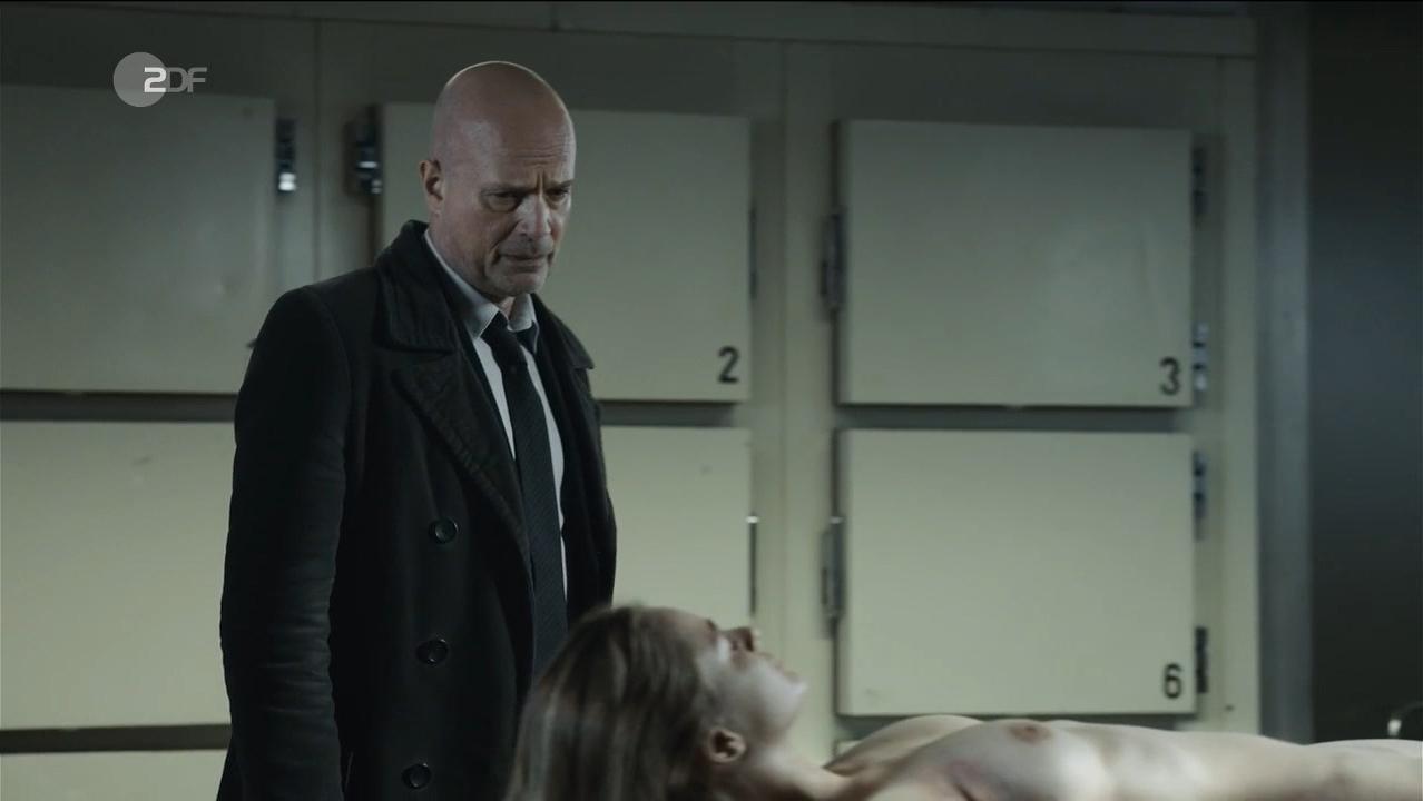 Helena Siegmund-Schultze nude - Der Kriminalist s12e04 (2017)