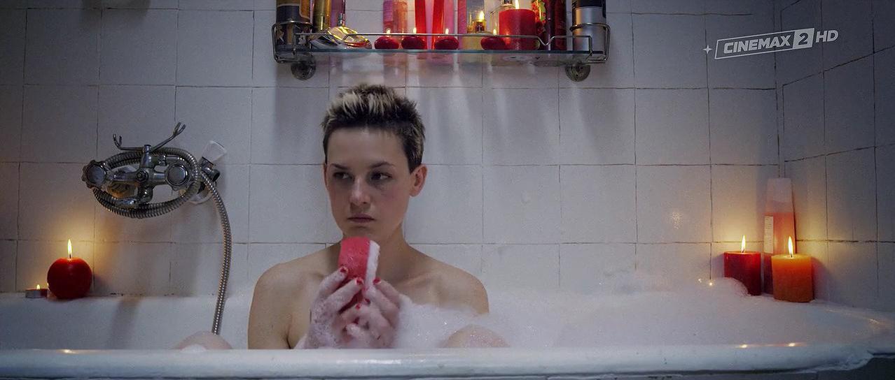 Agnieszka Podsiadlik nude - Baby Bump (2015)
