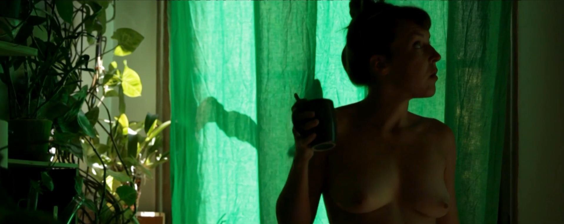 Barbara Drouinaud nude, Natacha Haegel nude - Cinq Femmes (2012)