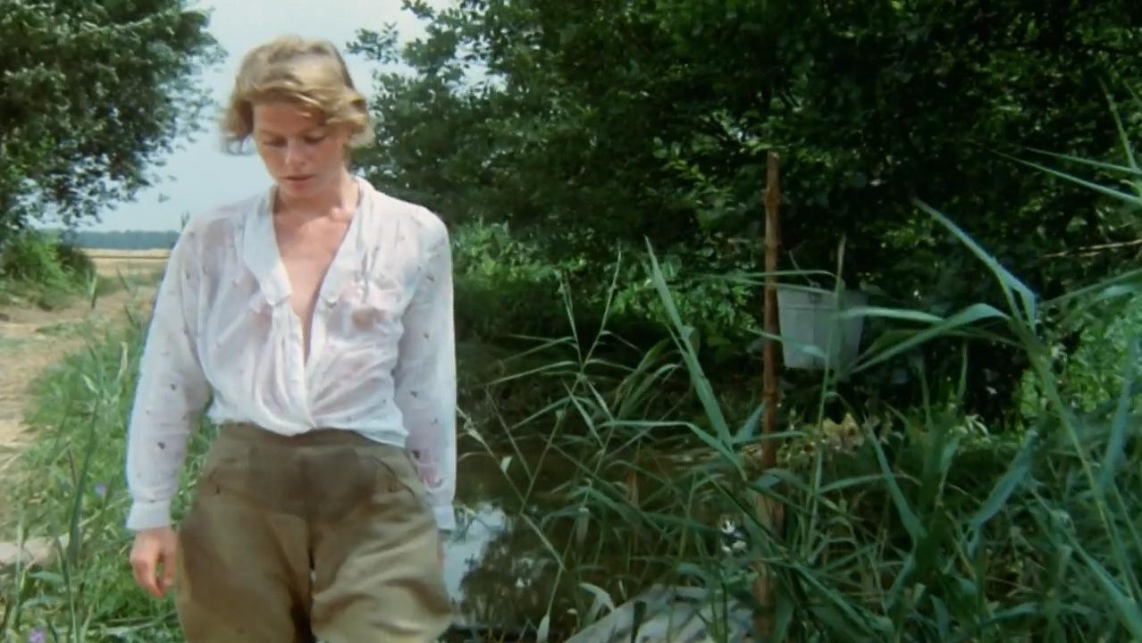 Corinna Kirchhoff nude - Das Spinnennetz (1989)