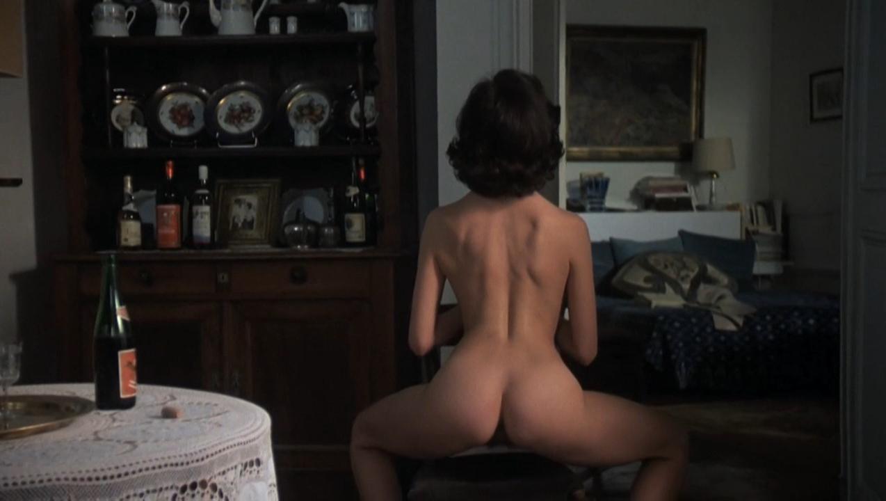 Consuelo De Haviland nude - The Unbearable Lightness of Being (1988)