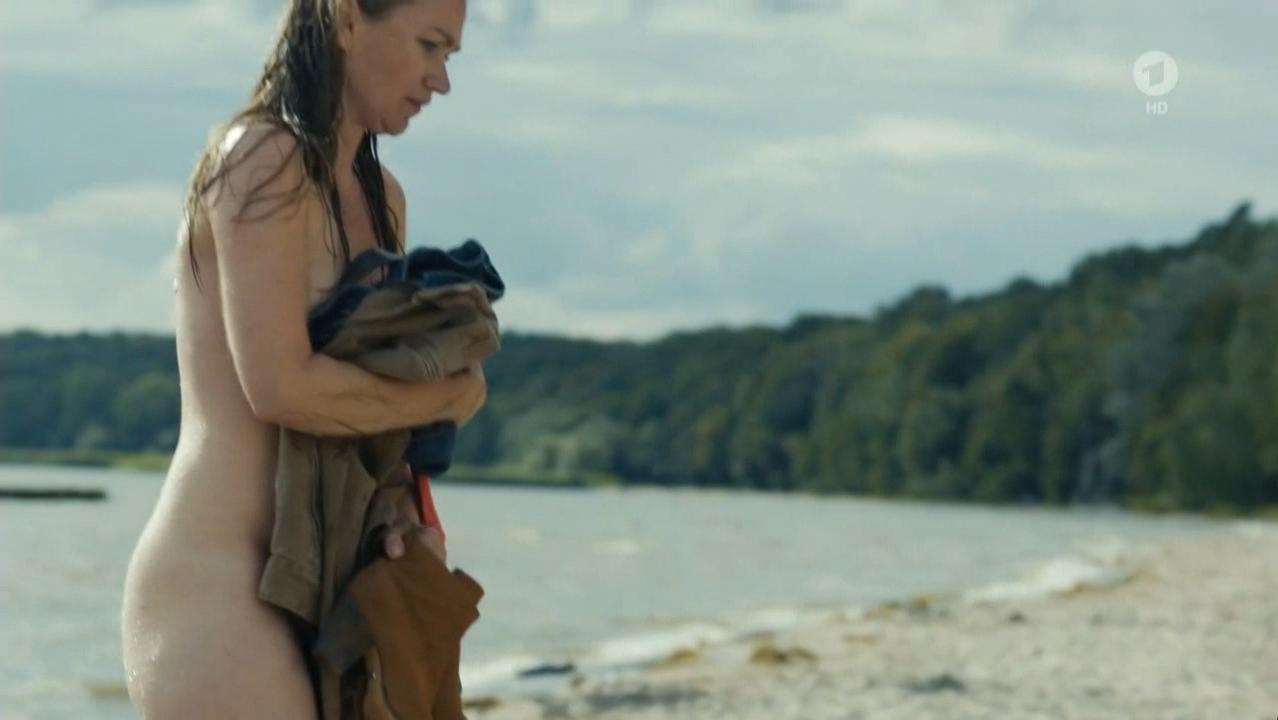 Lisa Maria Potthoff nude - Engelmacher Der Usedom-Krimi (2016)