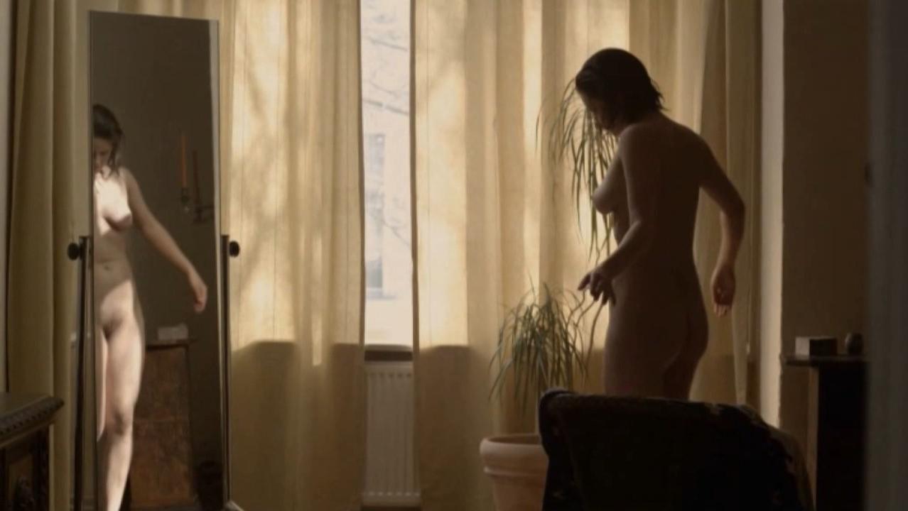 Josephine Schmidt nude - Innenkind (2014)