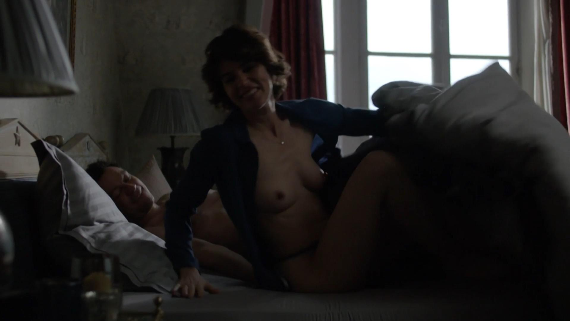 Irene Jacob nude - The Affair s03e10 (2017)