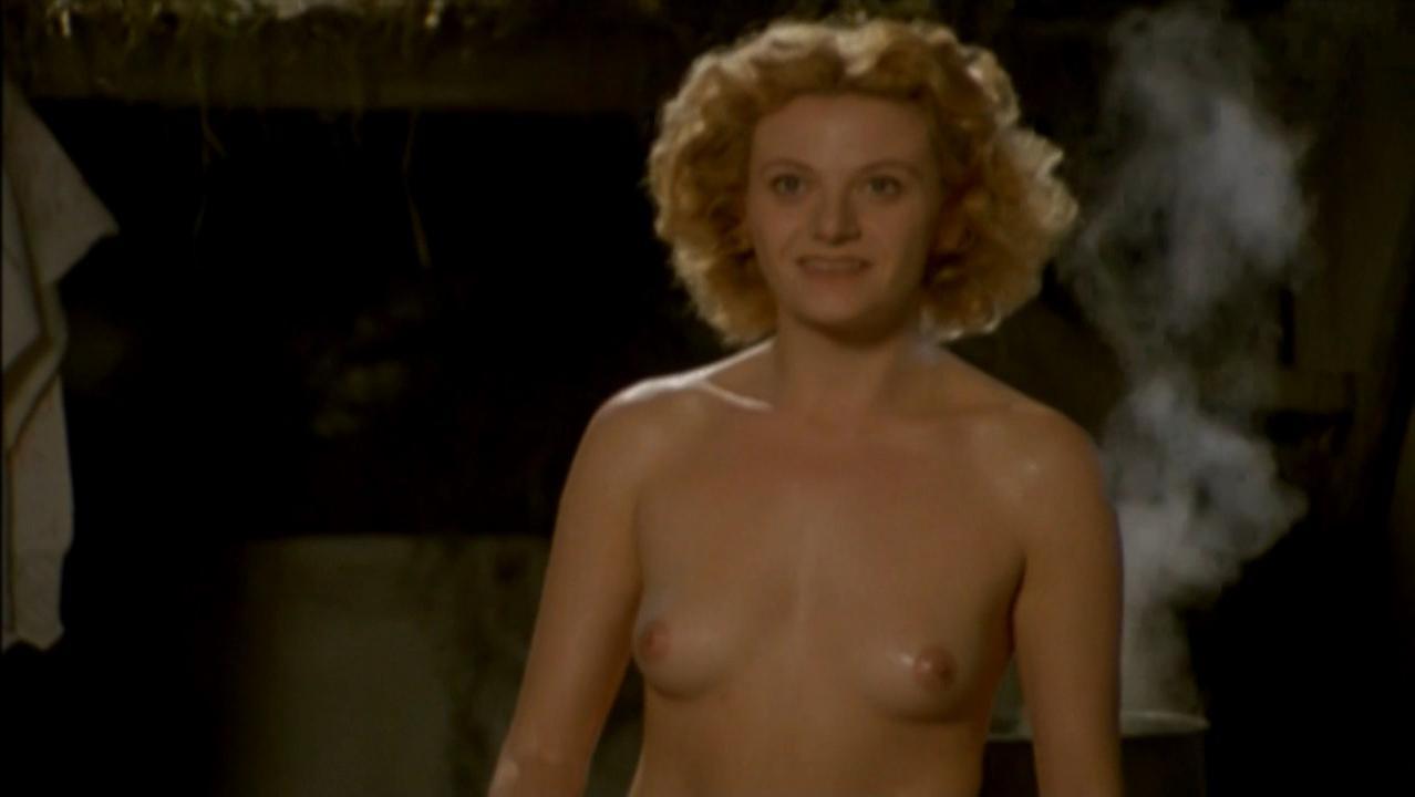 Katarina Bistrovic-Darvas nude - Duga mracna noc (2004)