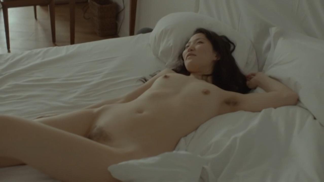 Catrina Stemmer nude, Uisenma Borchu nude - Schau mich nicht so an (2015)
