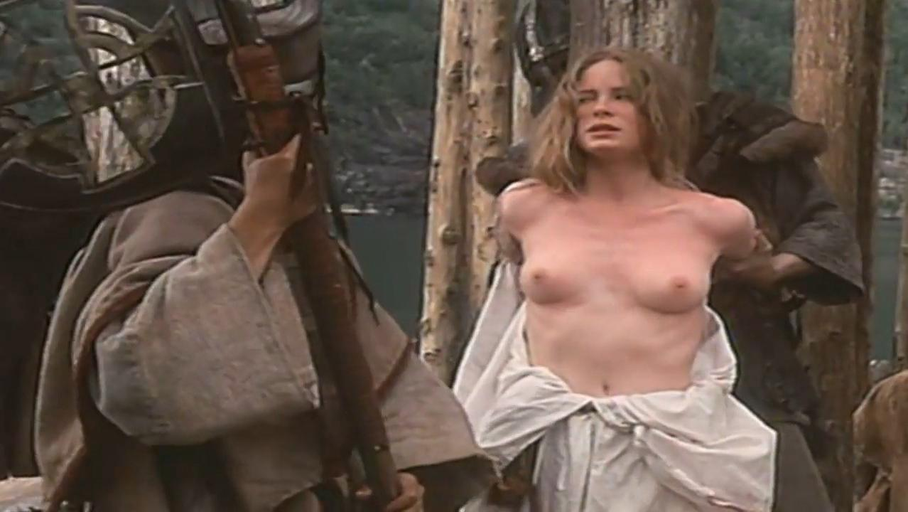 Maria Bonnevie nude - Hviti vikingurinn (1991)