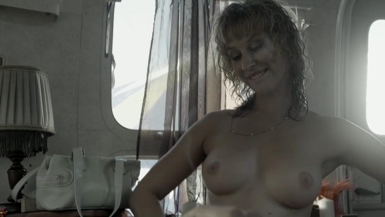 Lenka Stolarova nude - Cirkus Bukowsky s01e02 (2013)