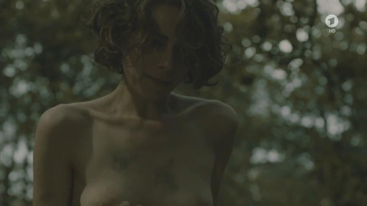 Alice Dwyer nude - Die verlorene Zeit (2011)