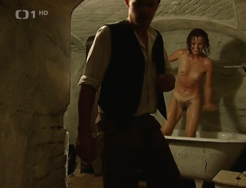 Jana Janekova nude - Cetnicke humoresky s02e10 (2001)
