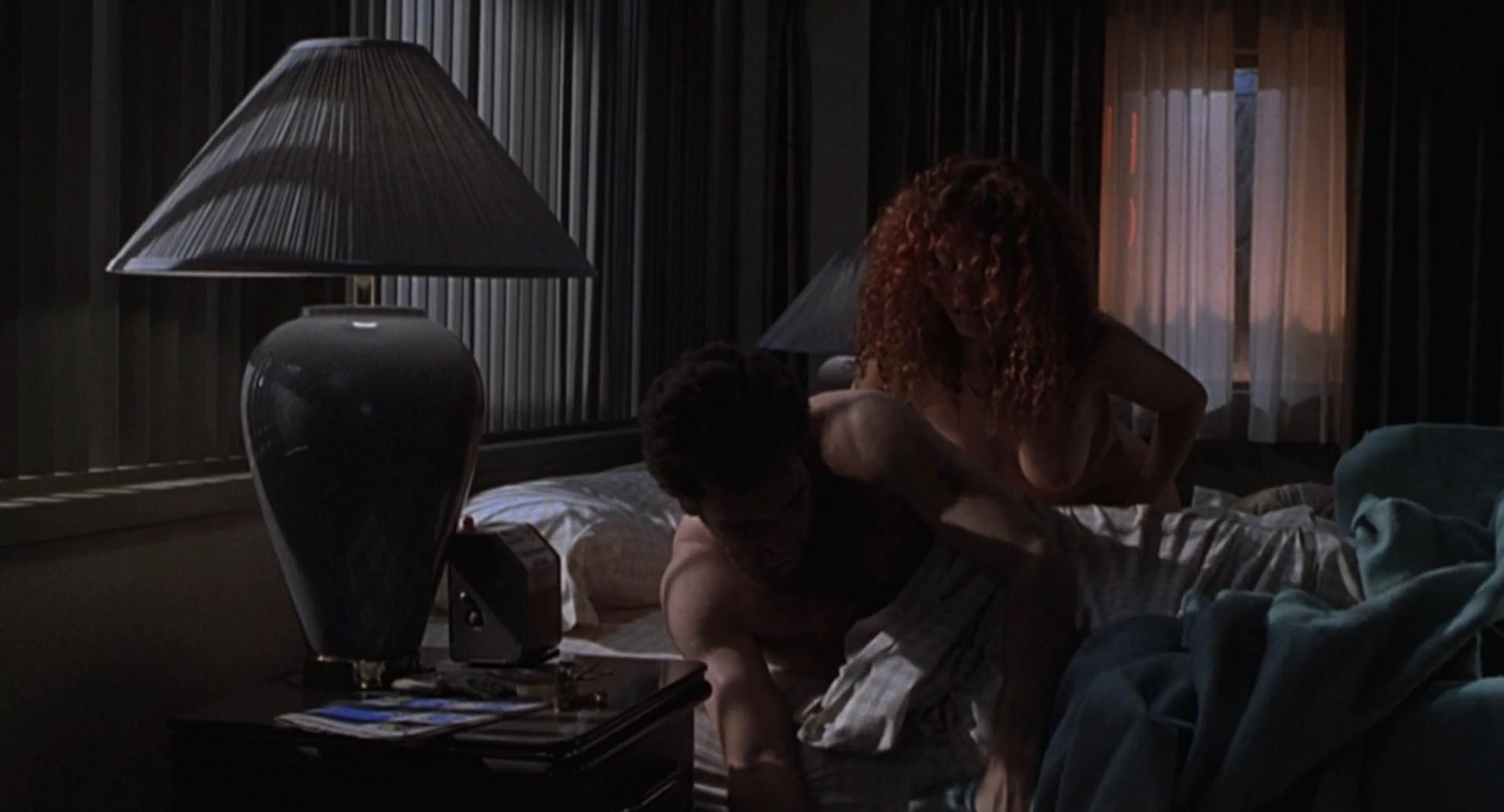 Maria Bello nude, Amanda Kravat nude - Duets (2000)