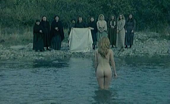 Mirjana Jokovic nude - El camino del sur (1988)