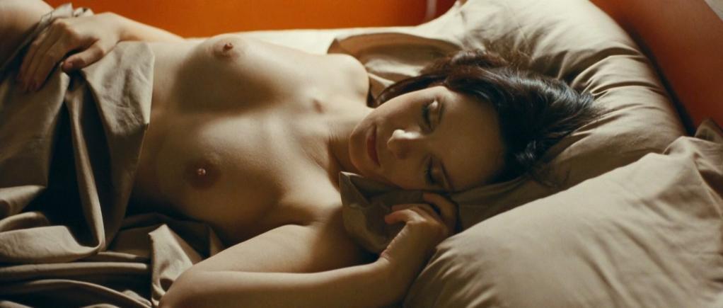 Valda Bichkute nude - Kamen (2011)