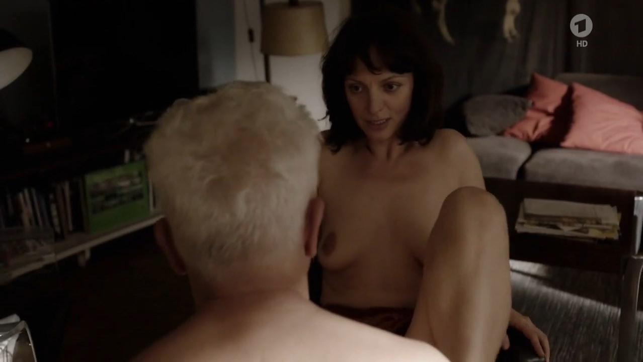 Viola Wedekind nude - Tatort e1022 (2017)