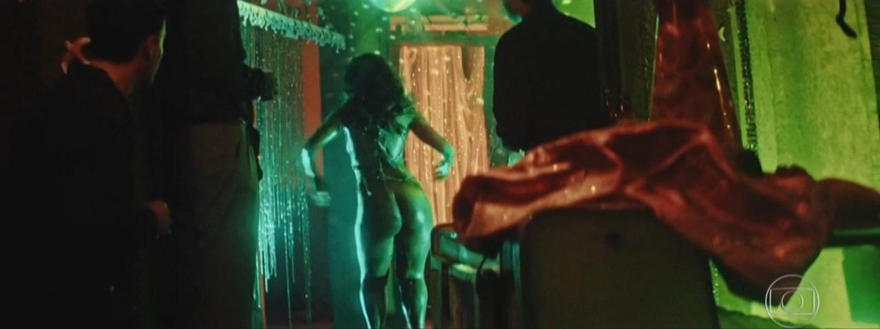 Camila Silva nude - Dois Irmaos s01e06 (2017)