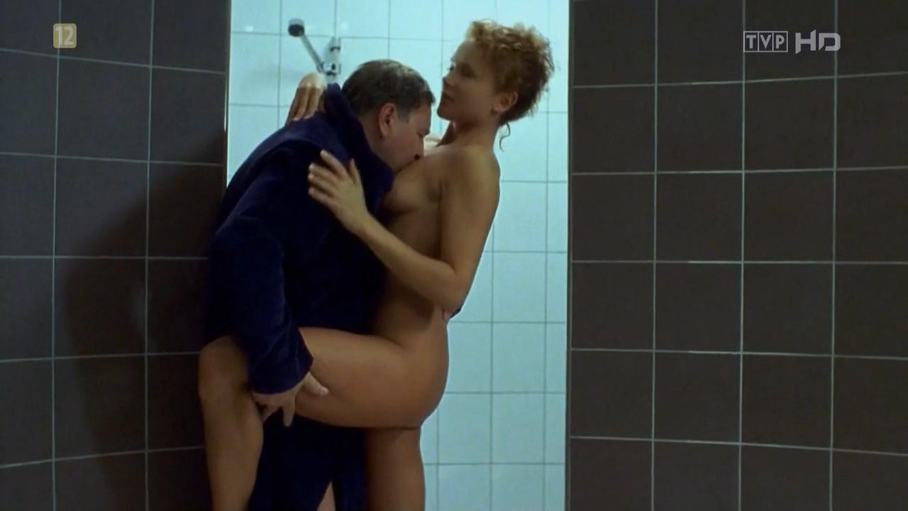 Anna Samusionek nude, Karina Zinkiewicz nude - Tydzien z zycia mezczyzny (1999)