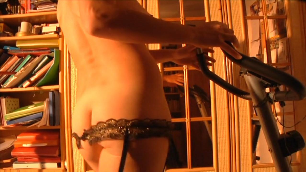 Carmen Montes nude - Paula-Paula (2010)