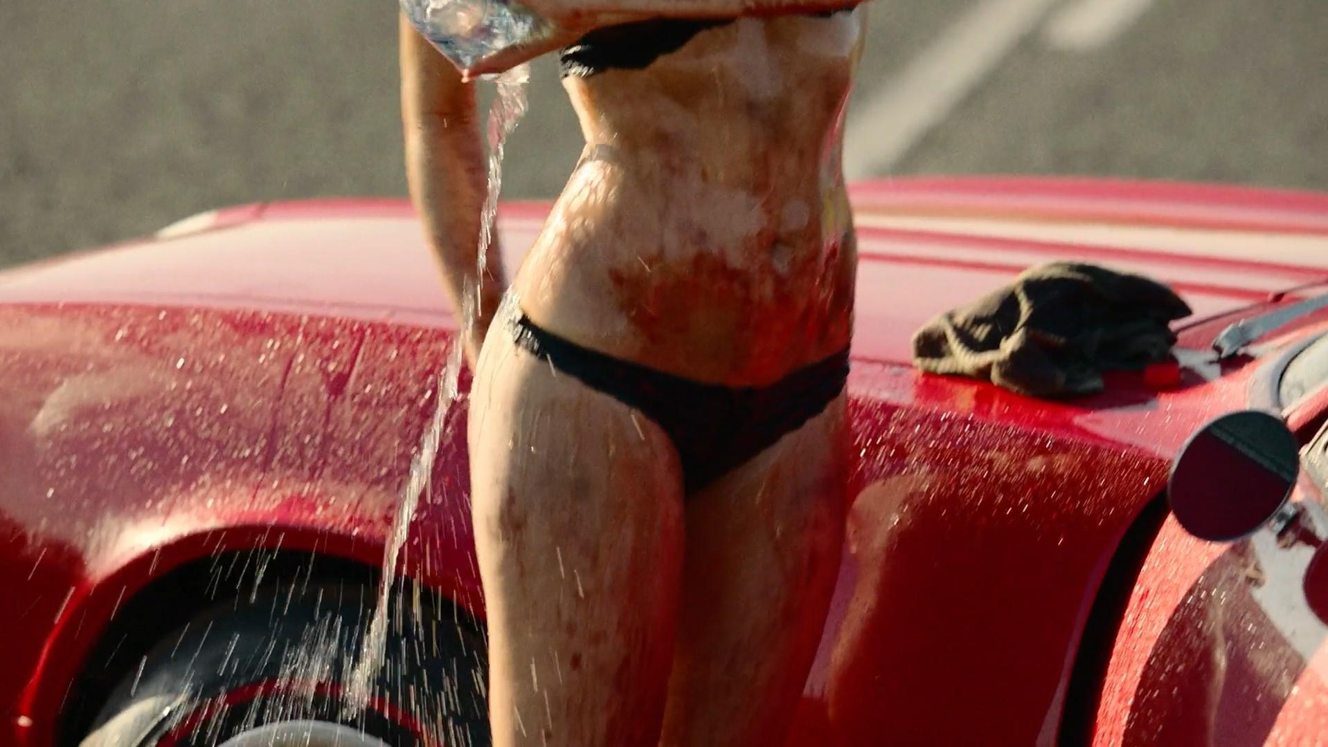 Christina Ochoa sexy - Blood Drive s01e02 (2017)