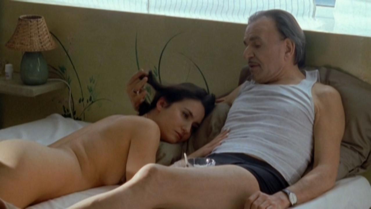 Veronique Volta nude - Mafiosa s02e08 (2008)