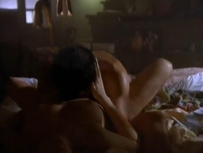 Marie-Josee Croze nude - Hunger s01e11 (1997)