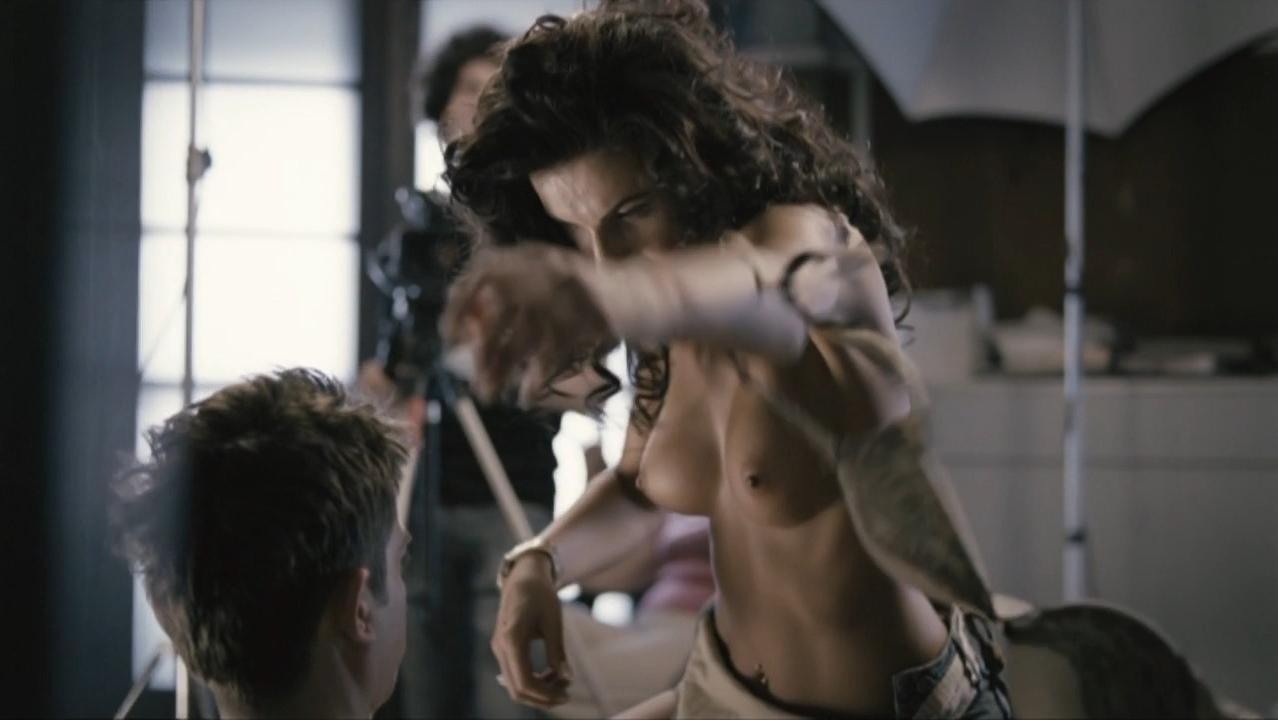 Ramona Lazuran nude - Buna! Ce faci (2010)