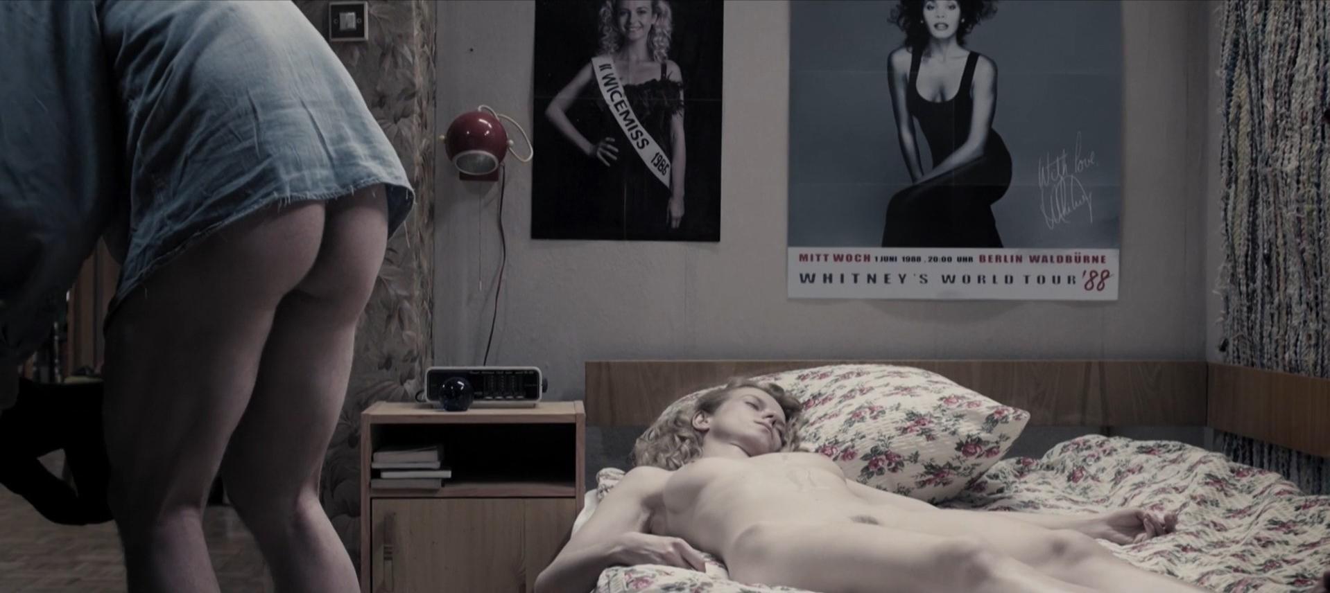 Marta Nieradkiewicz nude - Zjednoczone stany milosci (2016)