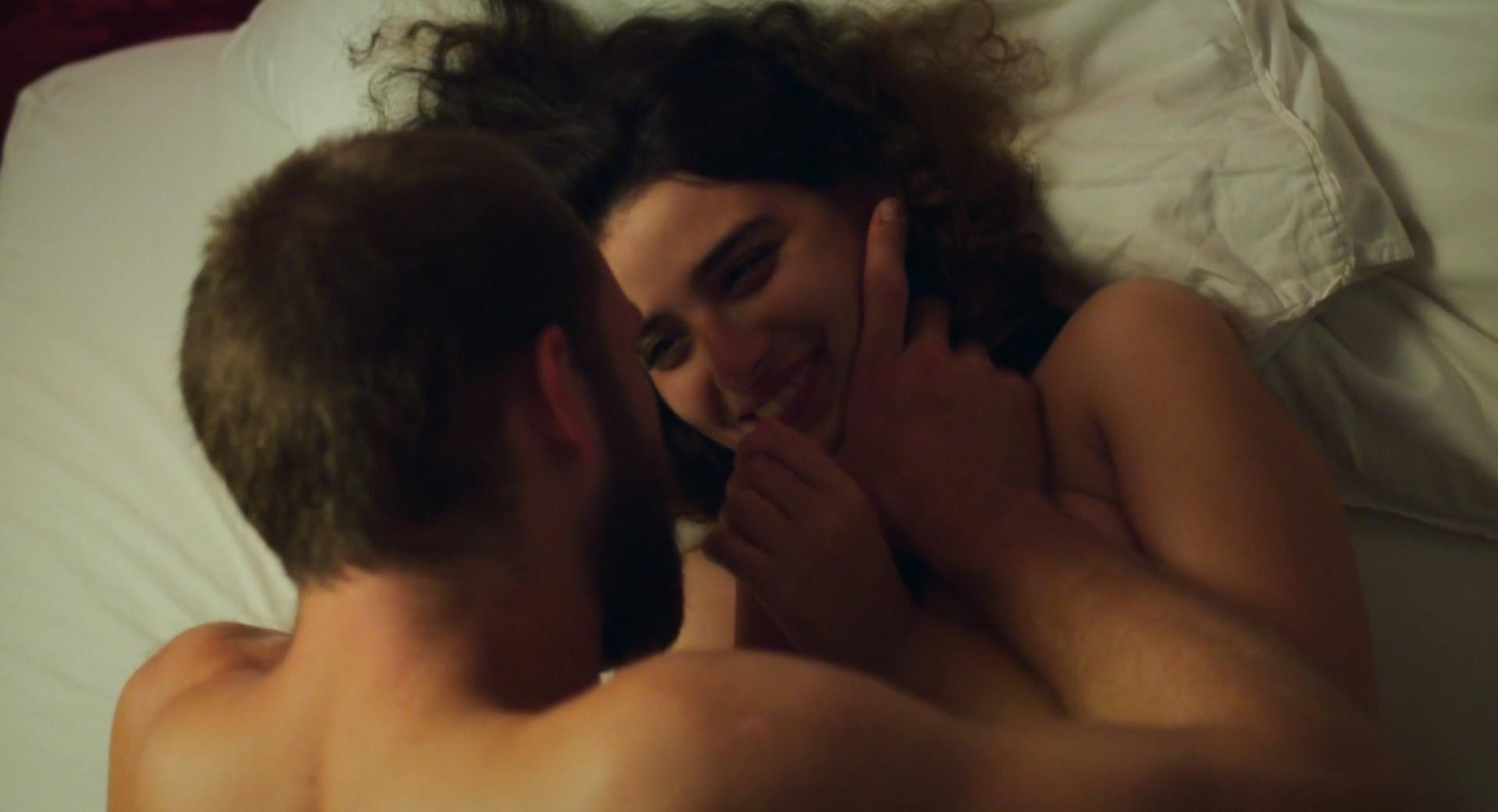 Manal Issa nude - Peur de rien (2016)