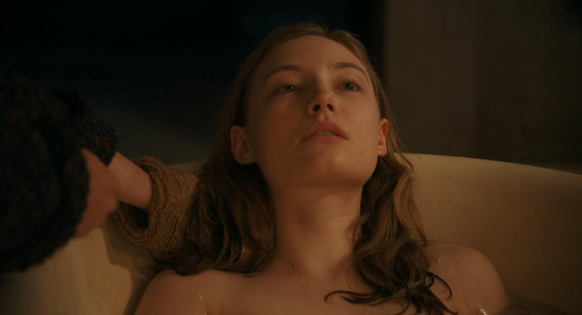 Julia Roy nude - A Jamais (2016)