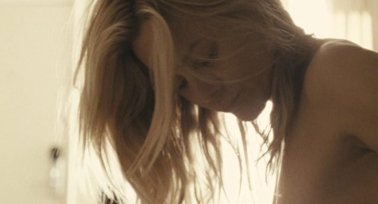 Maria Bello nude - Beautiful Boy (2010)