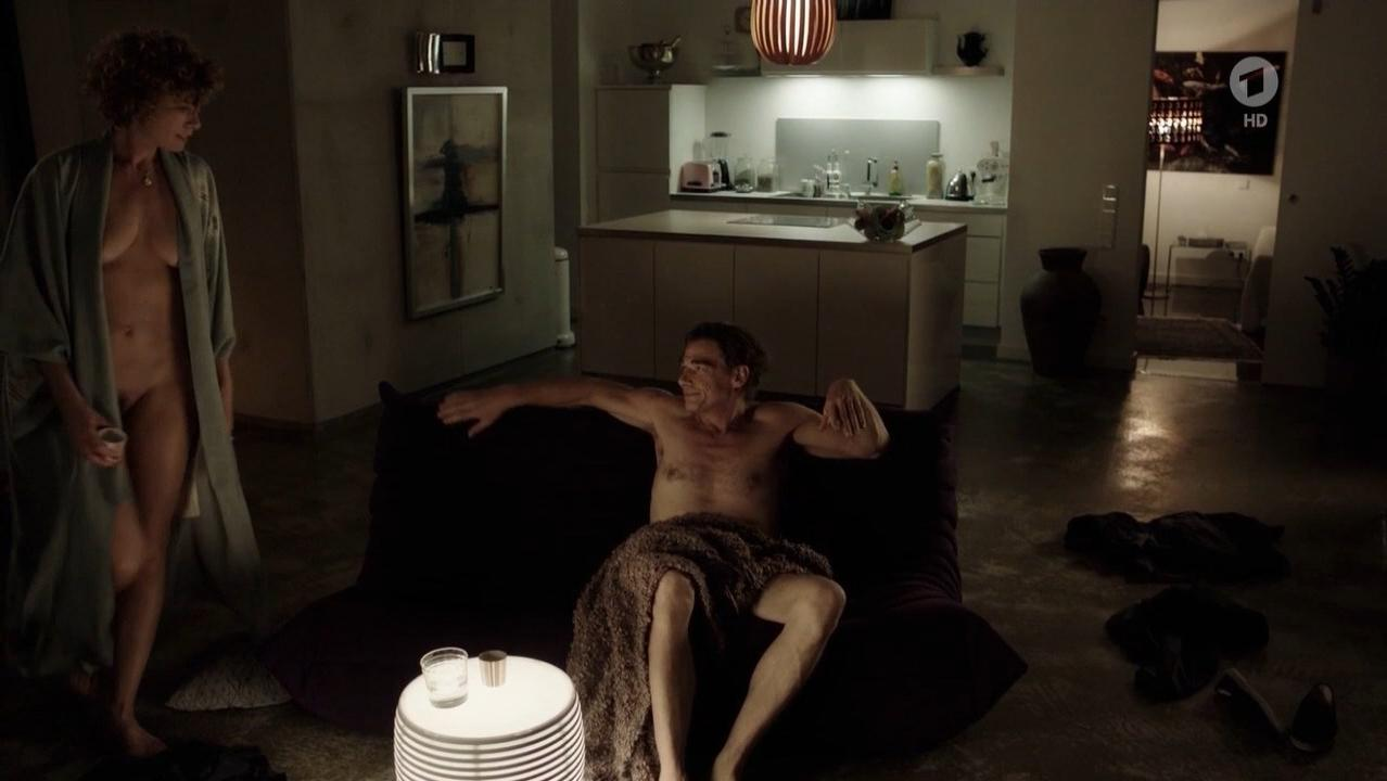 Anna Schafer nude - Tatort e1022 (2017)